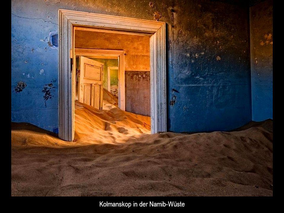 Kolmanskop in der Namib-Wüste