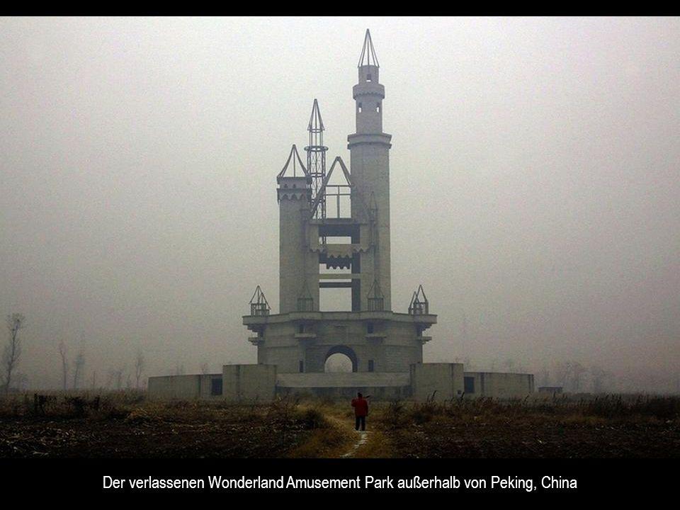 Der verlassenen Wonderland Amusement Park außerhalb von Peking, China