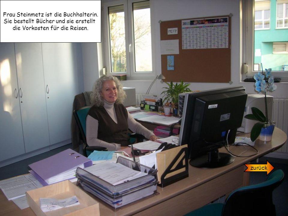 Frau Steinmetz ist die Buchhalterin.