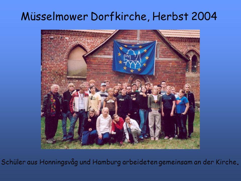 Müsselmower Dorfkirche, Herbst 2004