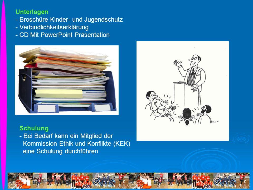 Unterlagen Broschüre Kinder- und Jugendschutz. Verbindlichkeitserklärung. - CD Mit PowerPoint Präsentation.