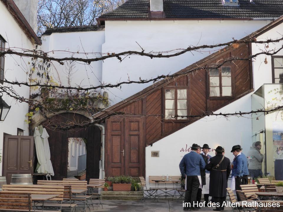 im Hof des Alten Rathauses