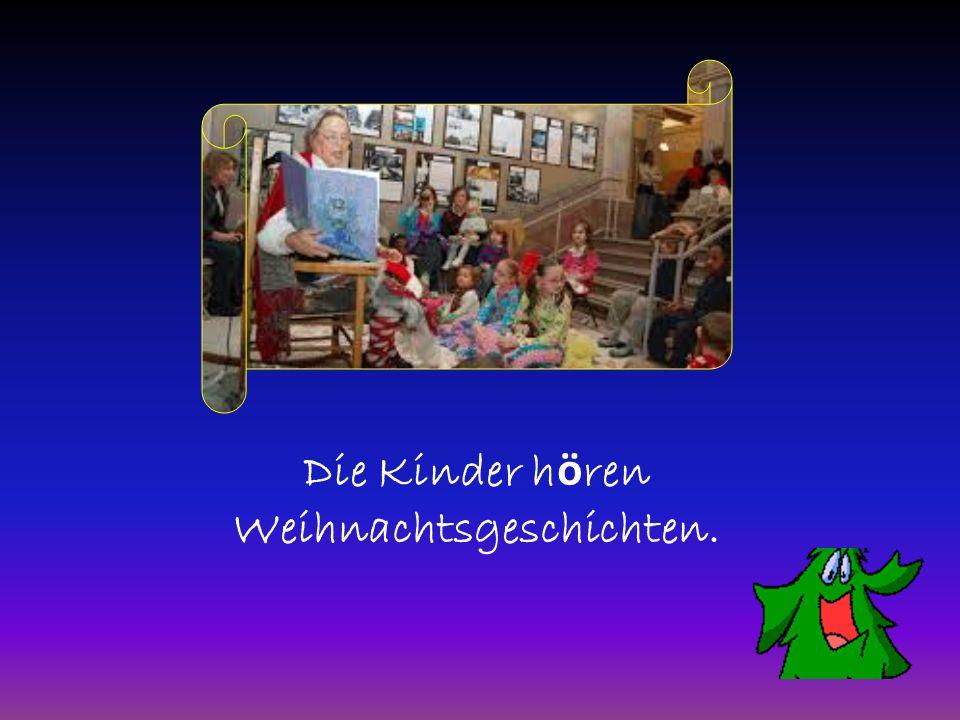 Die Kinder hӧren Weihnachtsgeschichten.