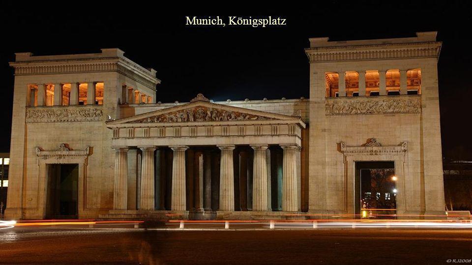 Munich, Königsplatz