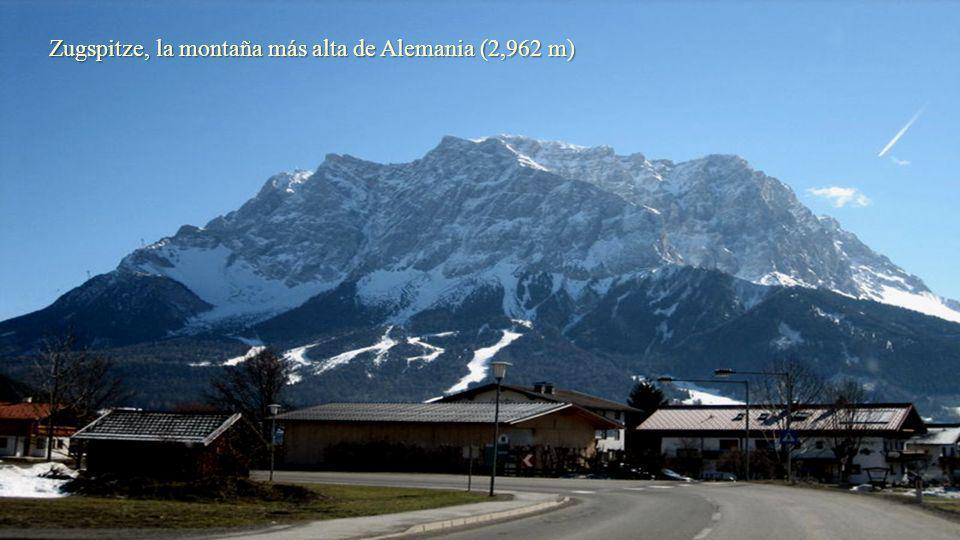 Zugspitze, la montaña más alta de Alemania (2,962 m)