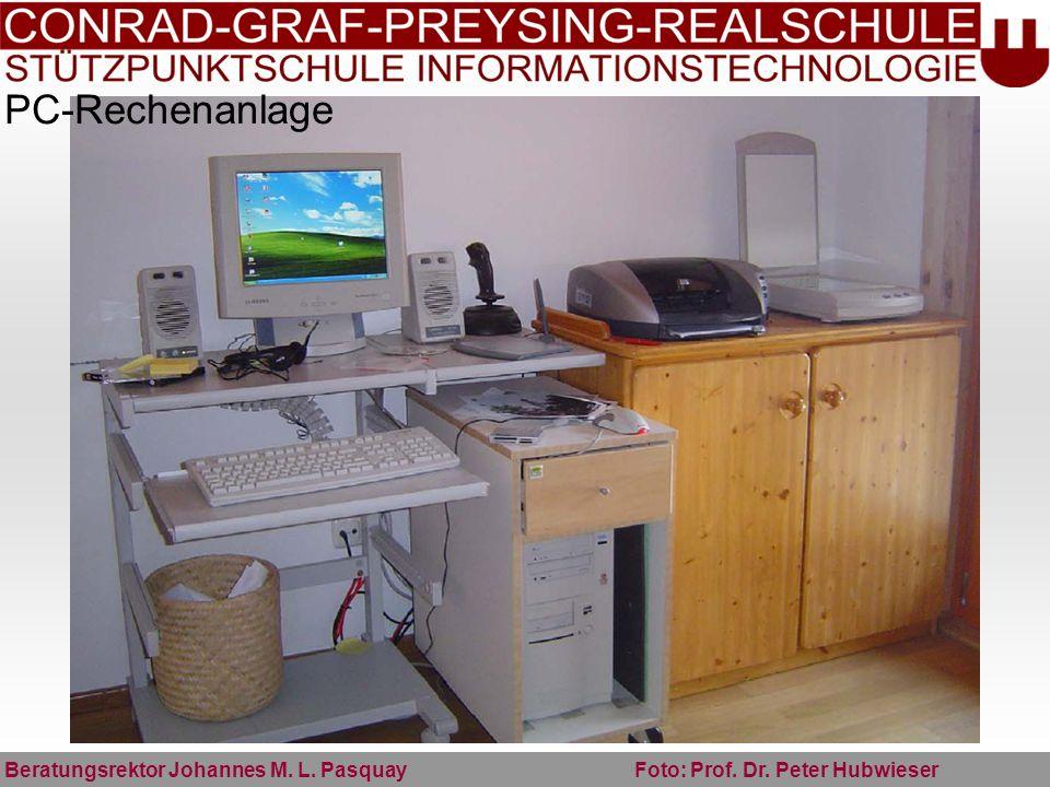 PC-Rechenanlage Beratungsrektor Johannes M. L. Pasquay Foto: Prof. Dr. Peter Hubwieser