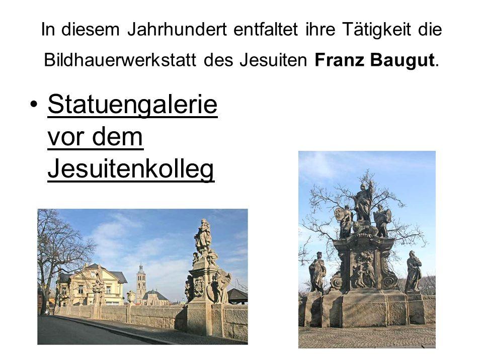 Statuengalerie vor dem Jesuitenkolleg