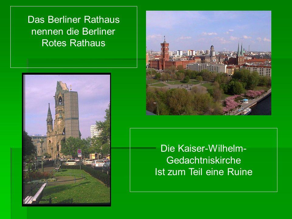 Das Berliner Rathaus nennen die Berliner. Rotes Rathaus.