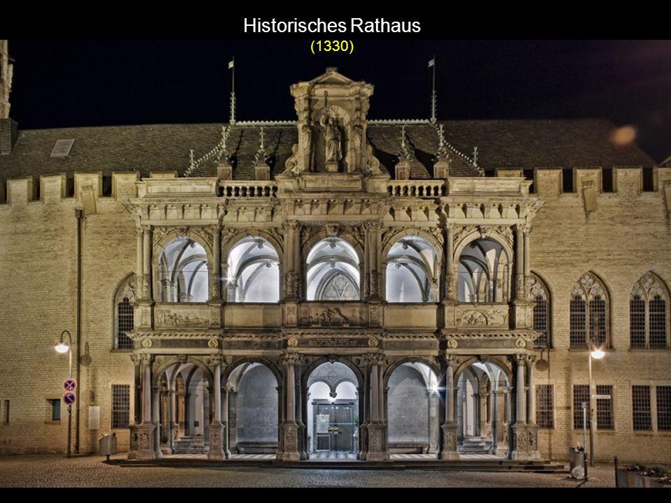 Historisches Rathaus (1330)