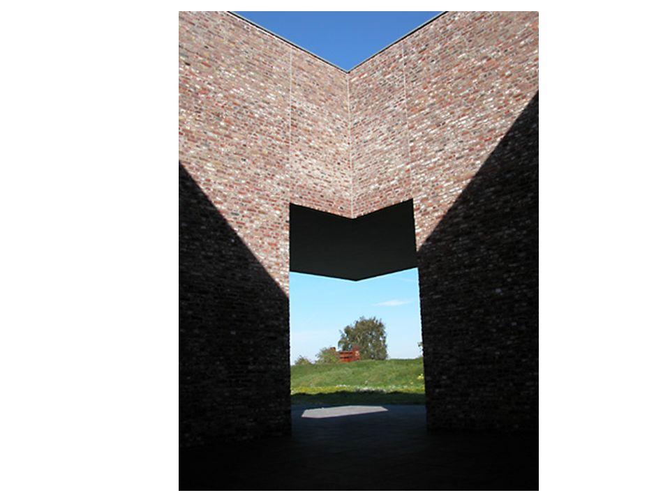 1996-6. Biennale Venedig war die Gestaltung der Station zum Objekt