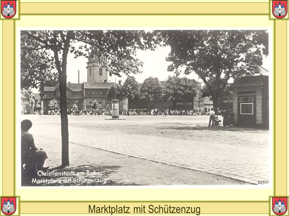 Marktplatz mit Schützenzug