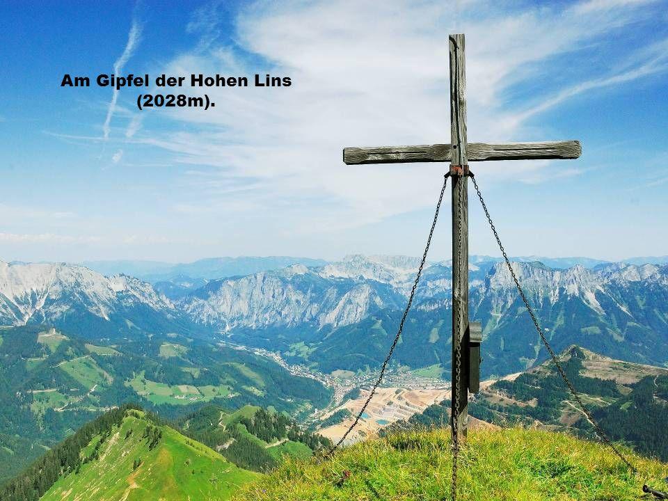 Am Gipfel der Hohen Lins (2028m).