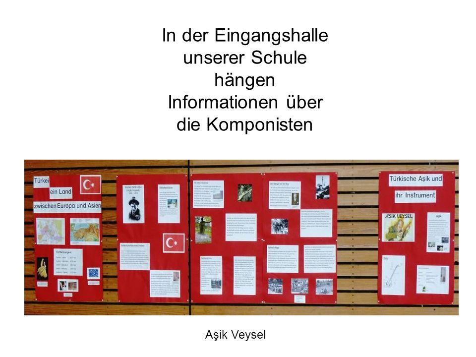 In der Eingangshalle unserer Schule hängen Informationen über die Komponisten