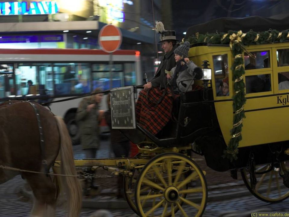 Horse and Buggy rides are available at many of the Christmas Markets to enhance the Romantic feeling.