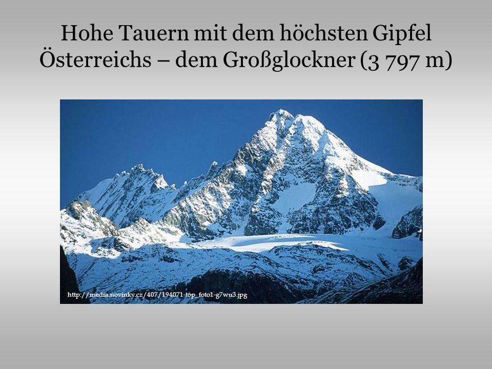 Hohe Tauern mit dem höchsten Gipfel Österreichs – dem Großglockner (3 797 m)