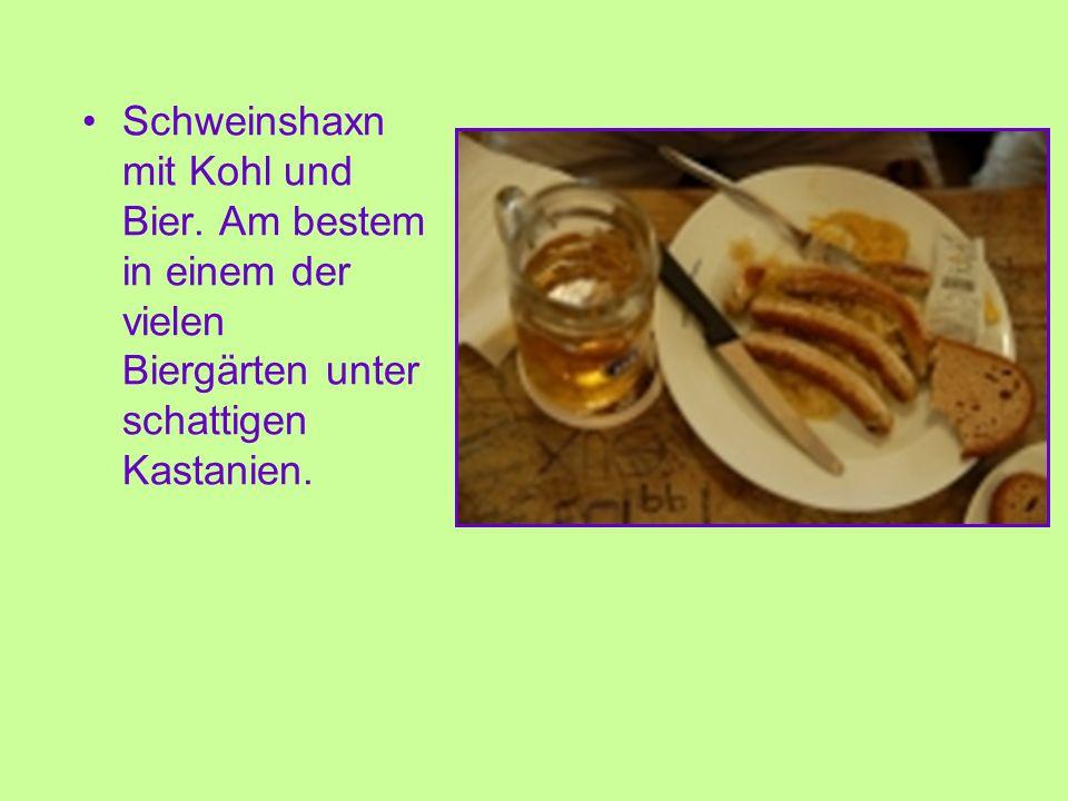 Schweinshaxn mit Kohl und Bier