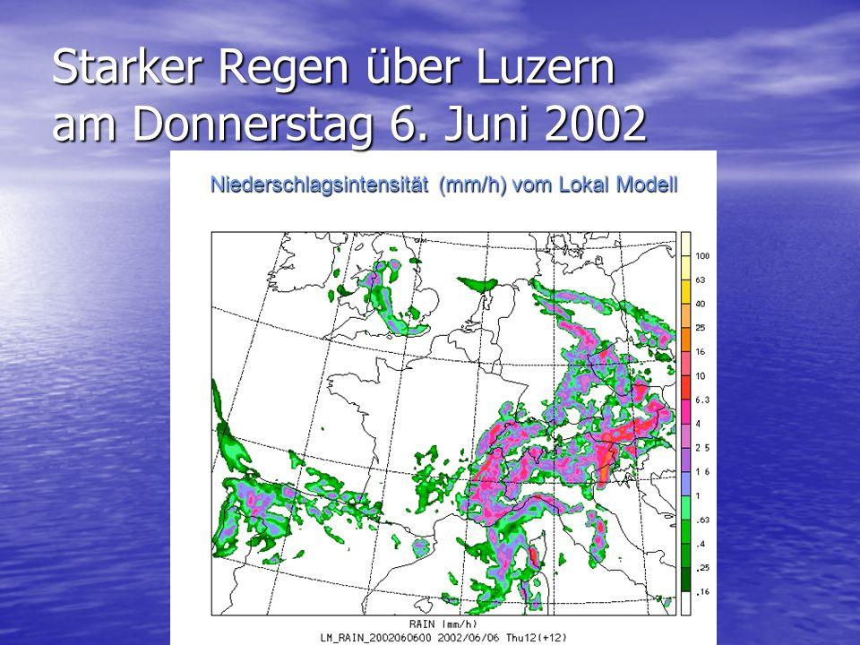 Starker Regen über Luzern am Donnerstag 6. Juni 2002