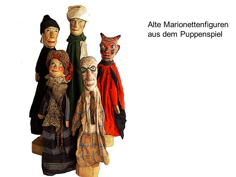 Alte Marionettenfiguren