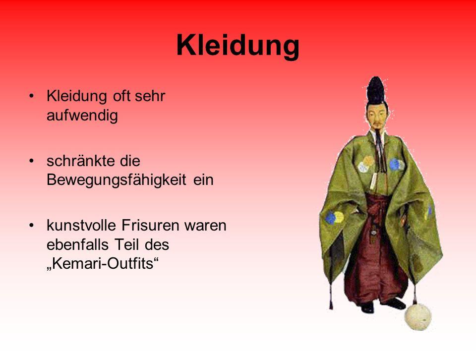 Kleidung Kleidung oft sehr aufwendig