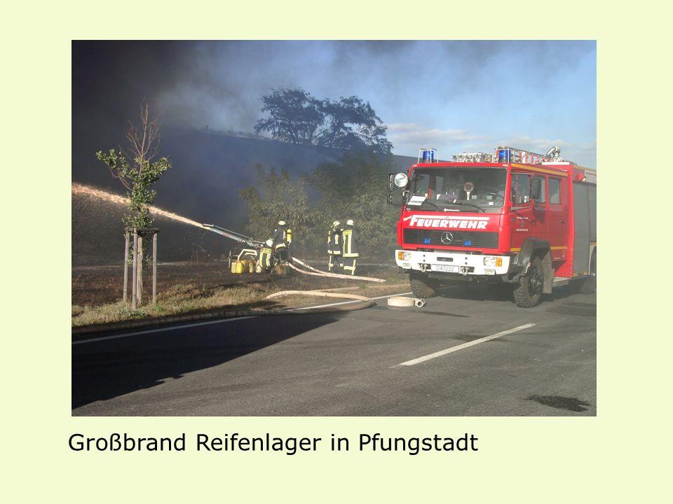 Großbrand Reifenlager in Pfungstadt
