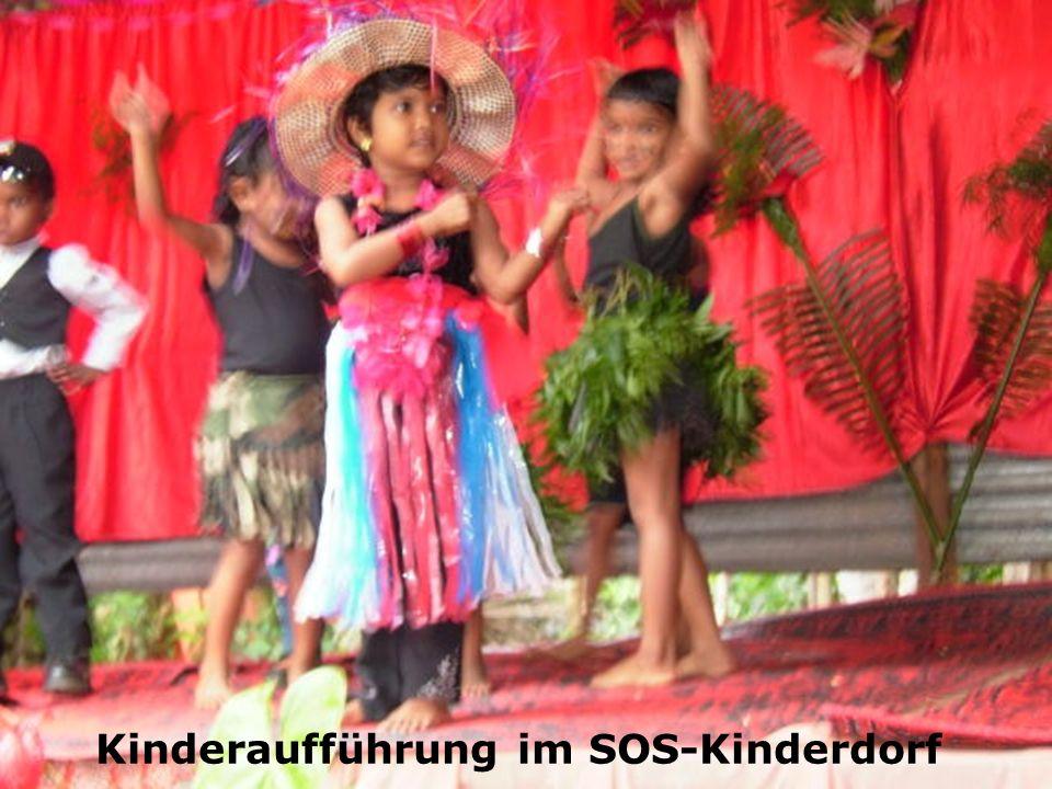 Kinderaufführung im SOS-Kinderdorf