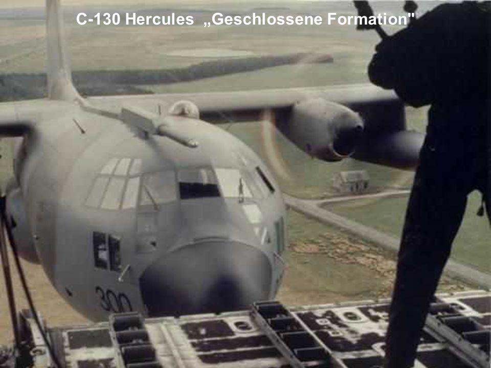 """C-130 Hercules """"Geschlossene Formation"""