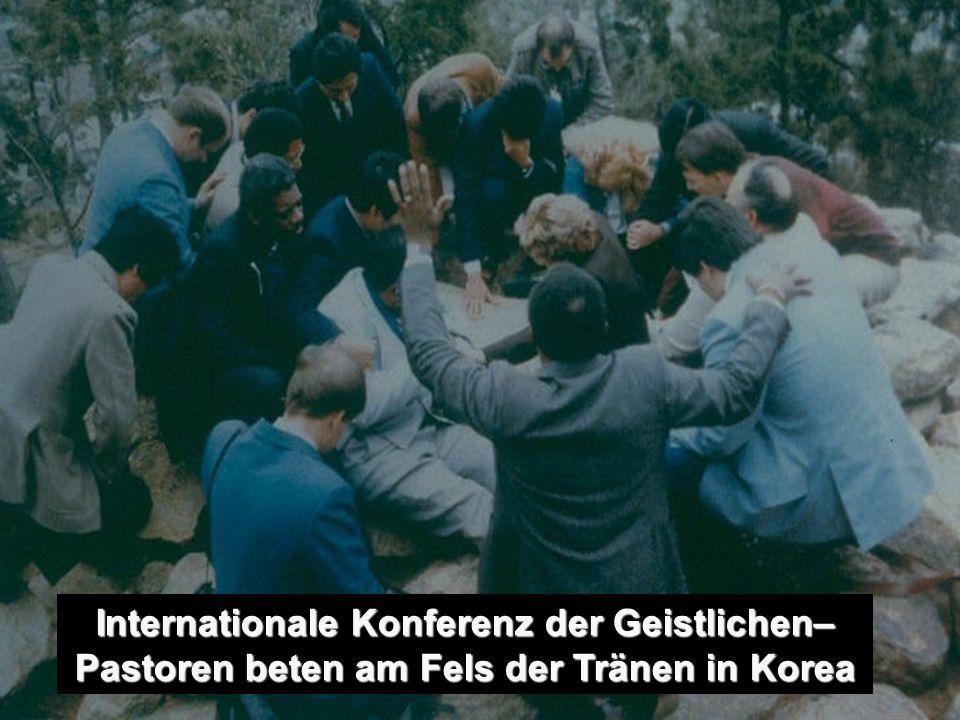 fa-(64)188 Internationale Konferenz der Geistlichen– Pastoren beten am Fels der Tränen in Korea