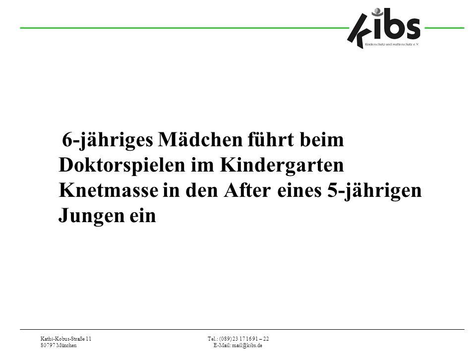 6-jähriges Mädchen führt beim Doktorspielen im Kindergarten Knetmasse in den After eines 5-jährigen Jungen ein