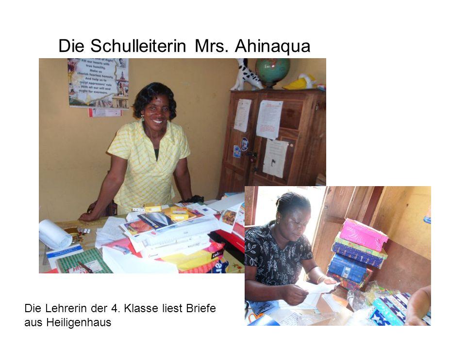 Die Schulleiterin Mrs. Ahinaqua