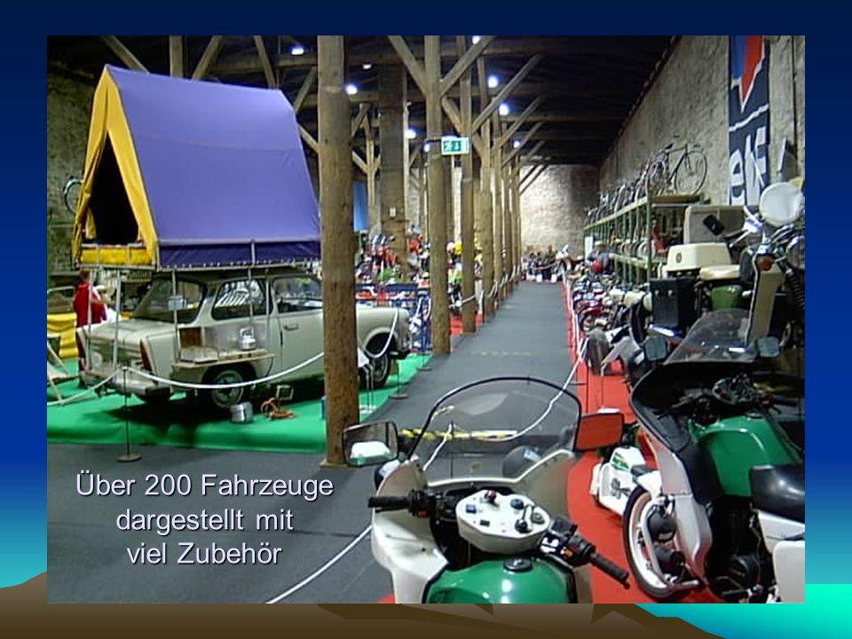 Über 200 Fahrzeuge dargestellt mit viel Zubehör