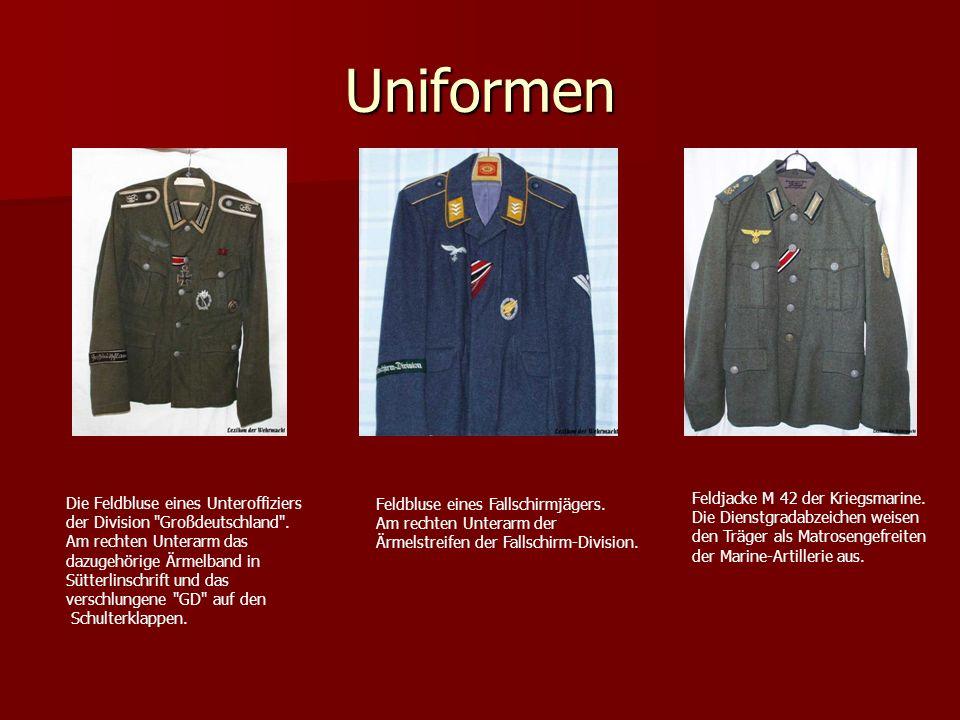 Uniformen Feldjacke M 42 der Kriegsmarine.
