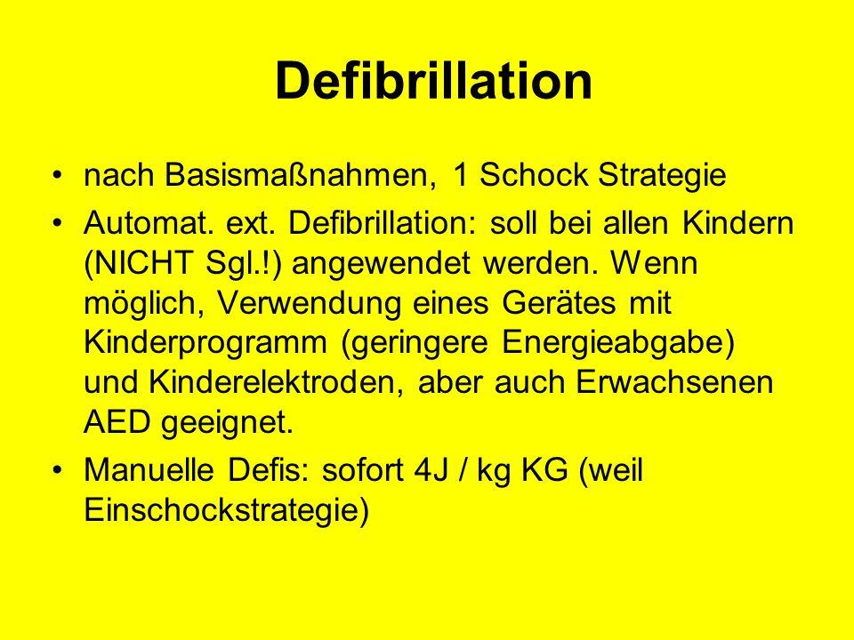 Defibrillation nach Basismaßnahmen, 1 Schock Strategie