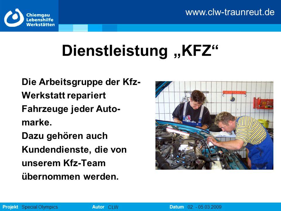 """Dienstleistung """"KFZ Die Arbeitsgruppe der Kfz- Werkstatt repariert"""