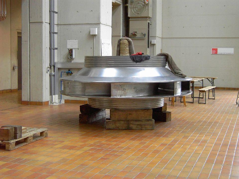 Dies ist eine kleinere Turbine, die noch auf ihren Einbau wartet.