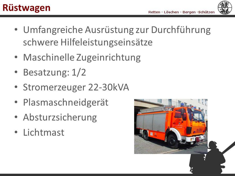 Rüstwagen Umfangreiche Ausrüstung zur Durchführung schwere Hilfeleistungseinsätze. Maschinelle Zugeinrichtung.