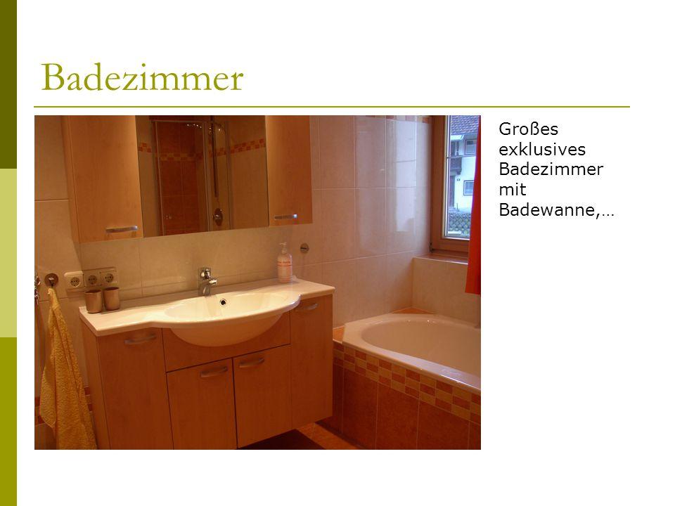 Badezimmer Großes exklusives Badezimmer mit Badewanne,…