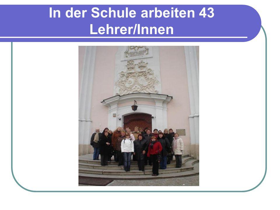 In der Schule arbeiten 43 Lehrer/Innen