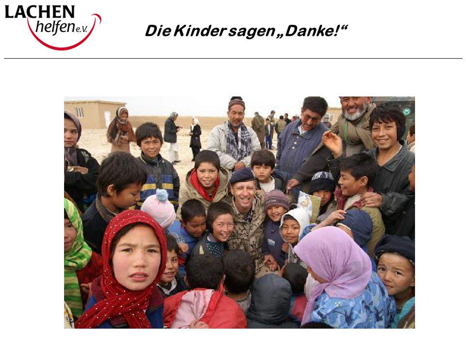 """Die Kinder sagen """"Danke!"""