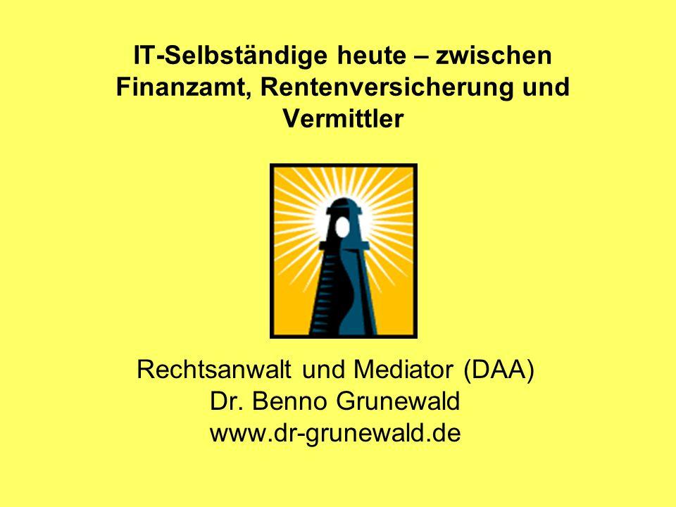 IT-Selbständige heute – zwischen Finanzamt, Rentenversicherung und Vermittler