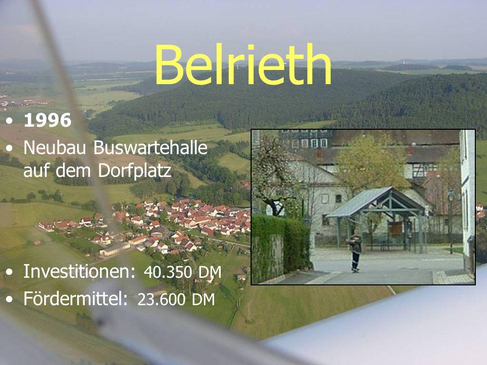 Belrieth 1996 Neubau Buswartehalle auf dem Dorfplatz