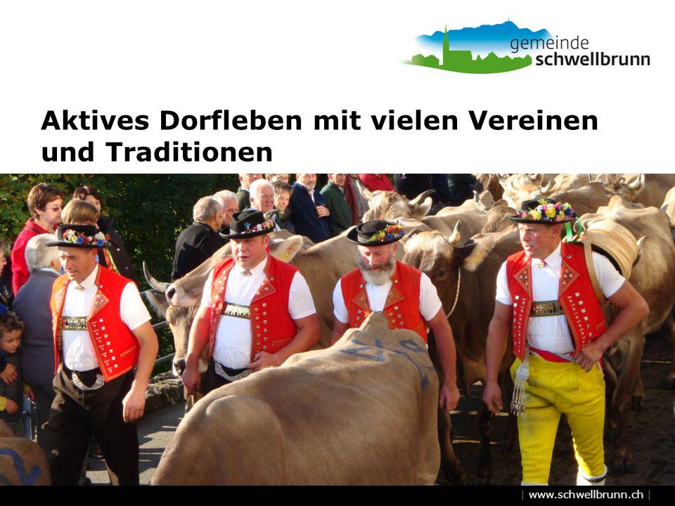 Aktives Dorfleben mit vielen Vereinen und Traditionen