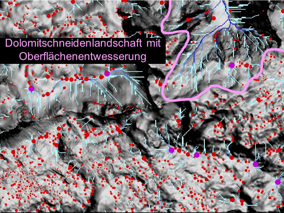 Dolomitschneidenlandschaft mit Oberflächenentwesserung