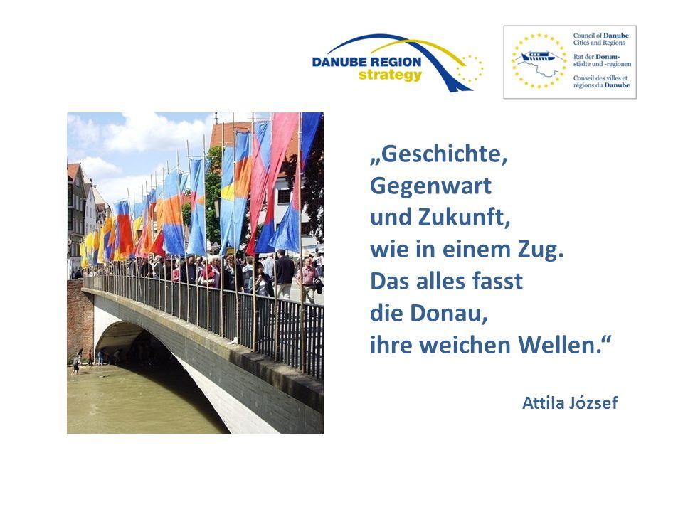 """""""Geschichte, Gegenwart und Zukunft, wie in einem Zug. Das alles fasst die Donau, ihre weichen Wellen."""