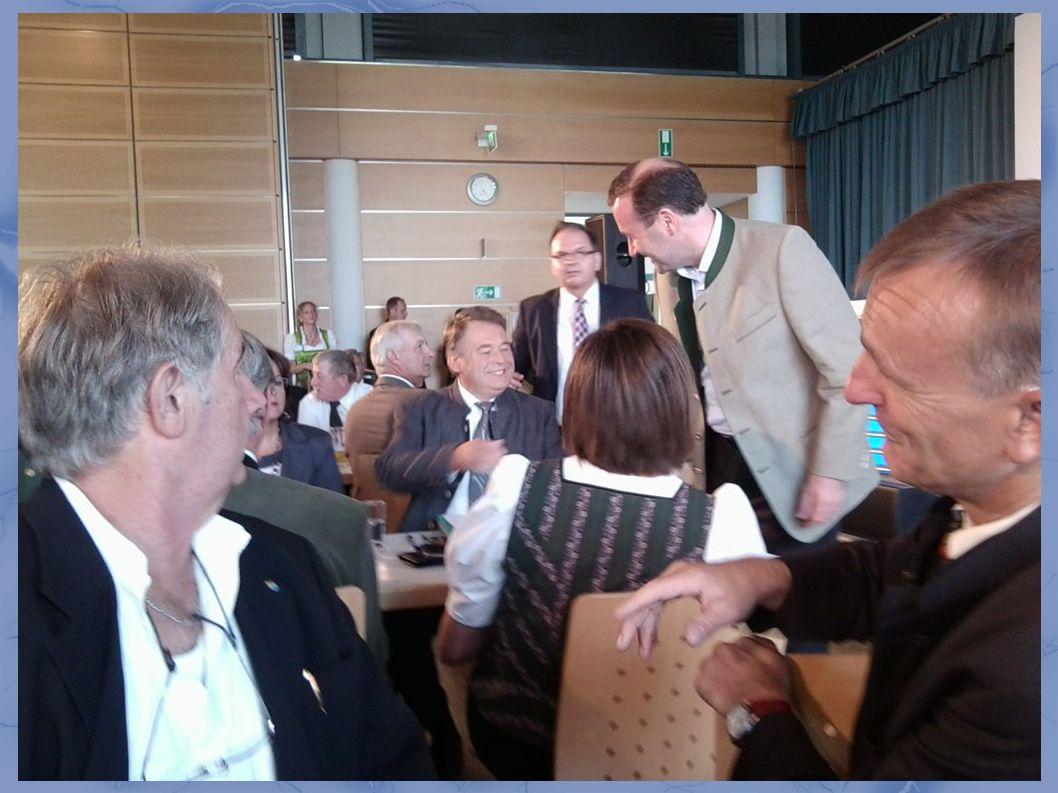 MdEP Manfred Weber ist da...