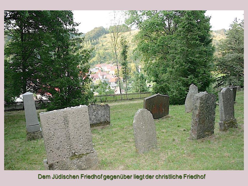 Dem Jüdischen Friedhof gegenüber liegt der christliche Friedhof