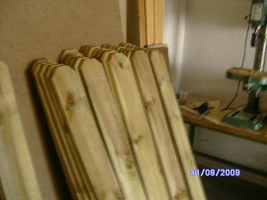 Für einen Bollerwagen braucht man dickes Holz.