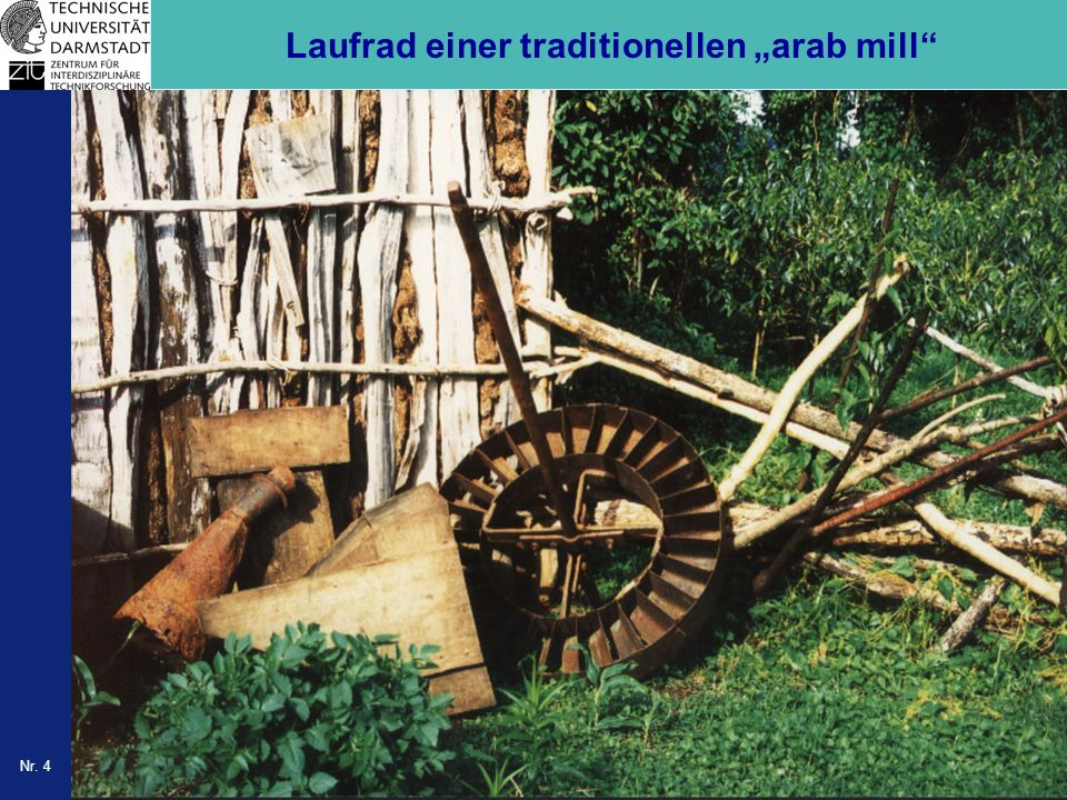 "Laufrad einer traditionellen ""arab mill"