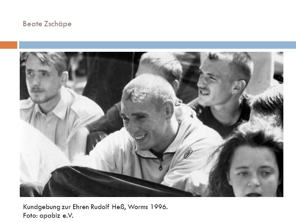 Beate Zschäpe Kundgebung zur Ehren Rudolf Heß, Worms 1996.
