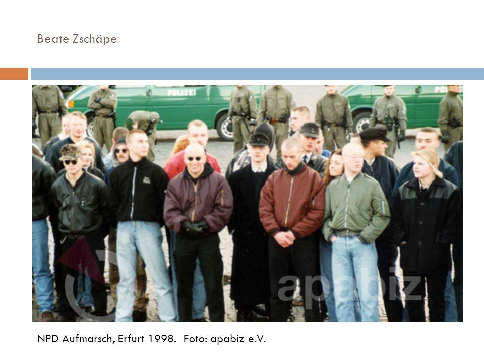 Beate Zschäpe NPD Aufmarsch, Erfurt 1998. Foto: apabiz e.V.
