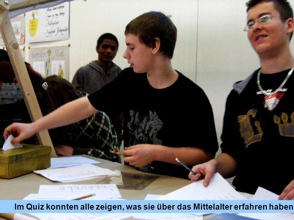 Im Quiz konnten alle zeigen, was sie über das Mittelalter erfahren haben.